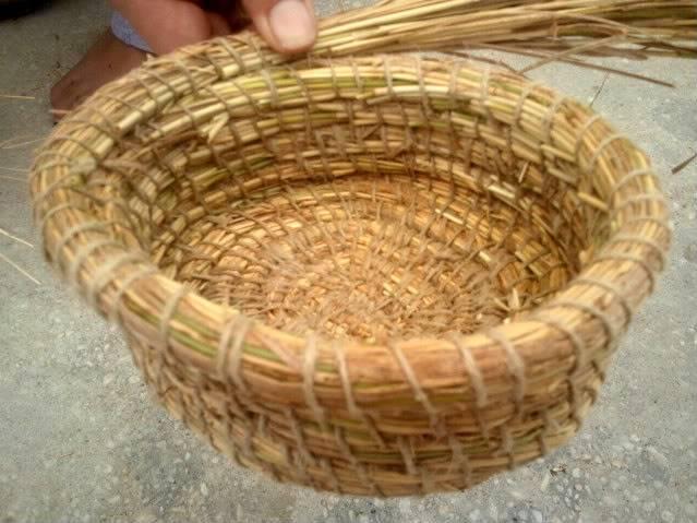 Cesto en espiral (Coiled basket) 2011-09-11133948
