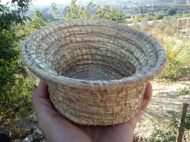Cesto en espiral (Coiled basket) 2011-09-13185206