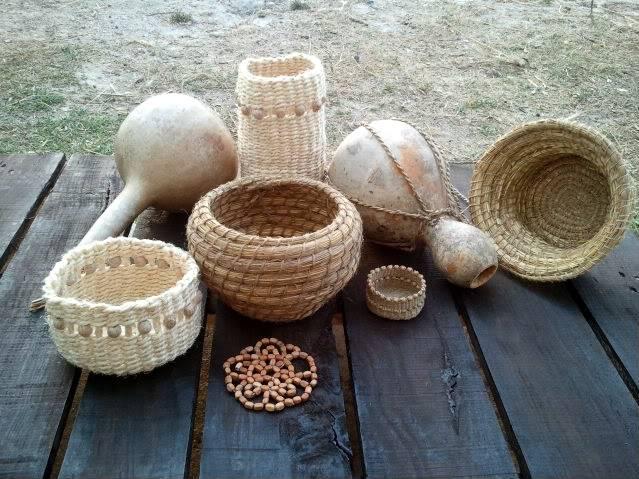 Cesto en espiral (Coiled basket) 2011-09-15194811_1