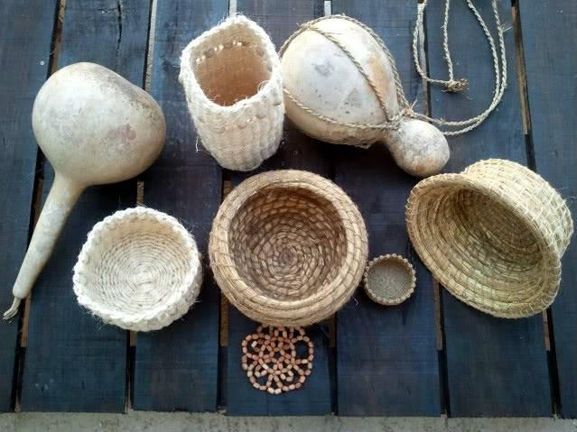 Cesto en espiral (Coiled basket) 2011-09-15194855_1