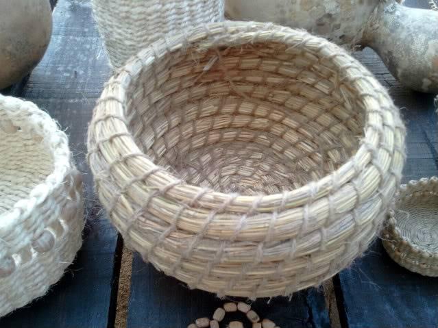 Cesto en espiral (Coiled basket) 2011-09-15194858_1