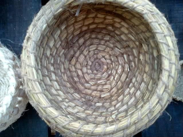 Cesto en espiral (Coiled basket) 2011-09-15194921