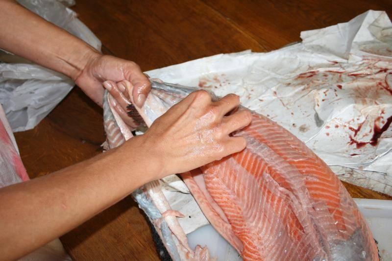 Curtido de piel de salmón. IMG_0965_zps0d5a17a2