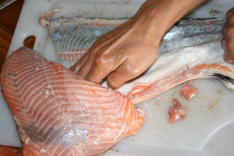 Curtido de piel de salmón. IMG_1017_zpse3713345