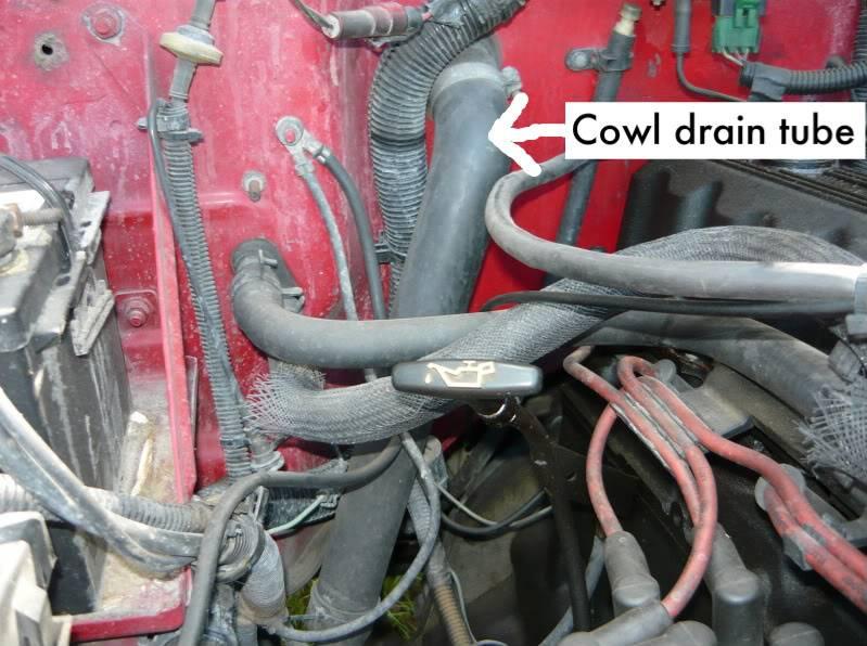 YJ cowl intake using drain tube? P1000878