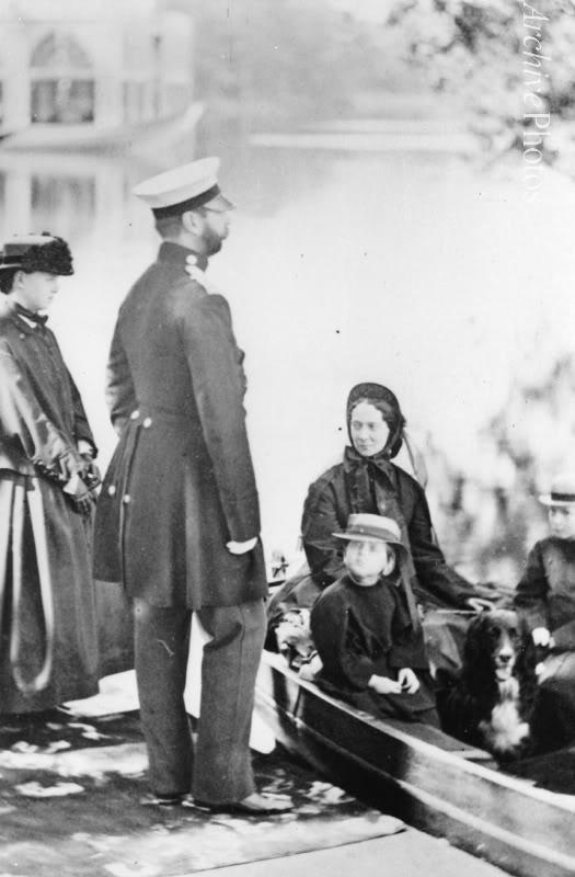 Tzar Alexander II.  El Tzar Reformador. - Página 7 AIIFAMILIA2