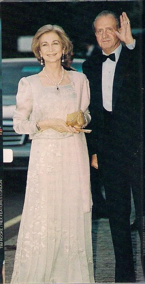 Miembros actuales de la Casa Real Griega - Página 9 Escanear0306