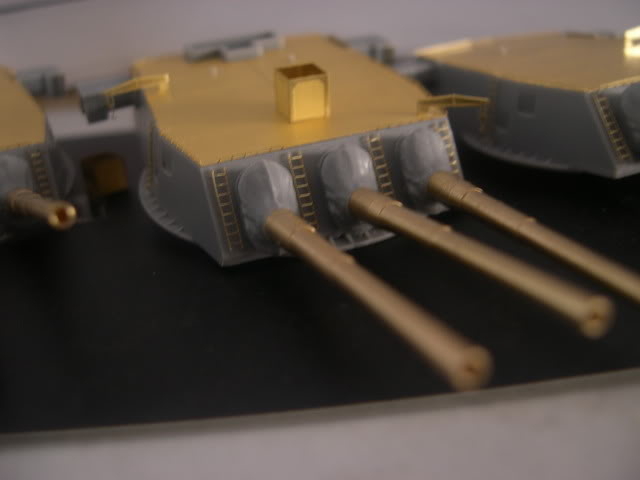 Flyhawk is processing BB63 -Missouri 1/350 for Tamiya DSCN3619
