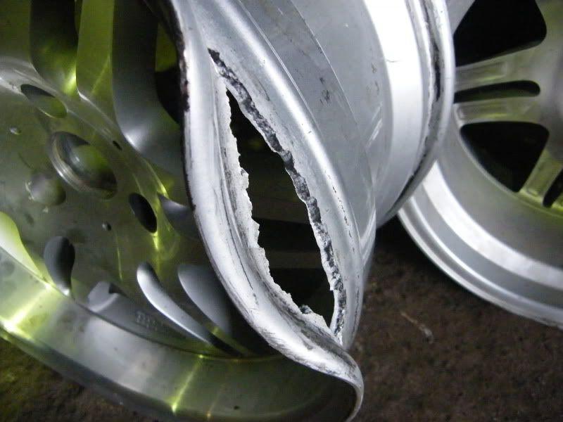 broken wheels DSCF0008