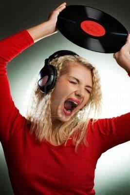 As minhas audiófilas - Página 18 4171378-singing-beautiful-woman-with-headphones-and-vinyl-record_zps90d2b0f7