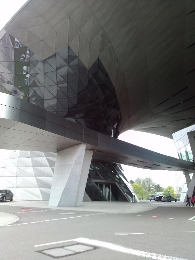 O Mundo e o Museu da BMW CAM00886_zps086c2cc1