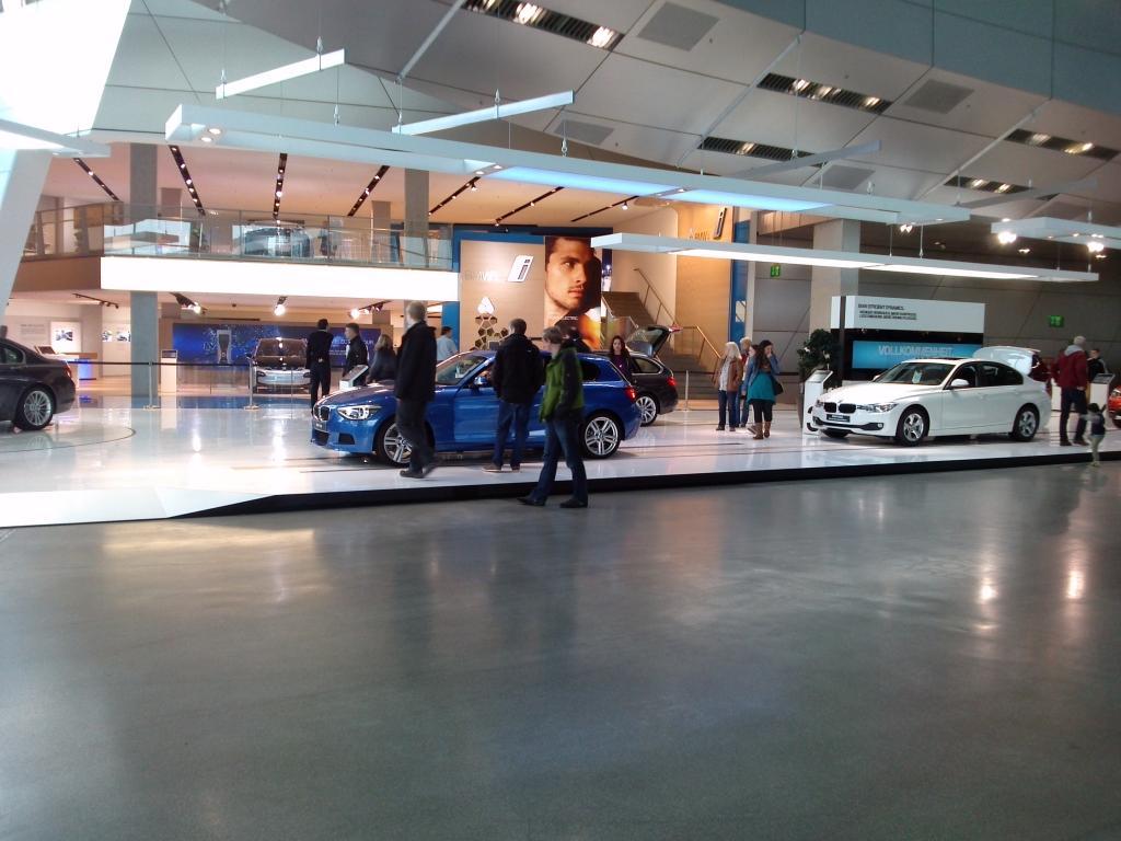 O Mundo e o Museu da BMW CAM00890_zpse039644b