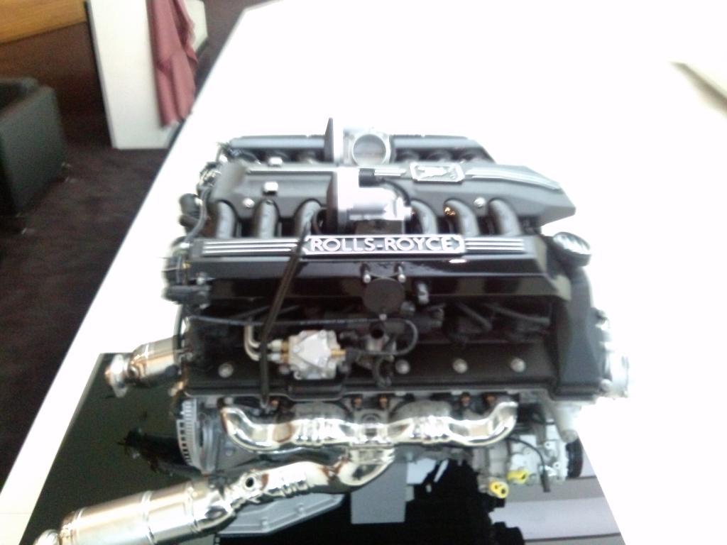 O Mundo e o Museu da BMW CAM00914_zpsef8a42ce