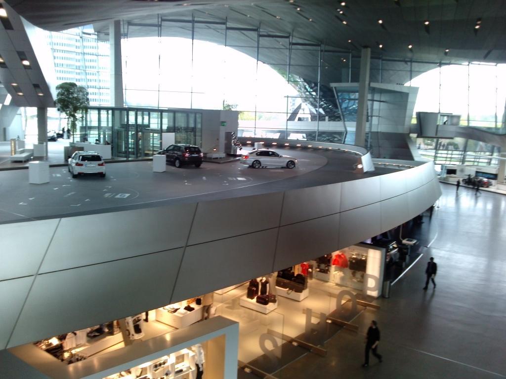 O Mundo e o Museu da BMW CAM00954_zps7ffebbd2