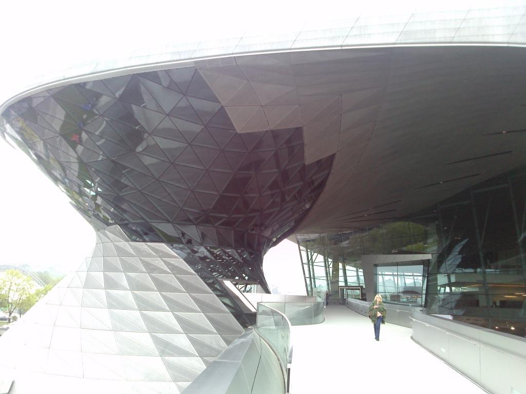 O Mundo e o Museu da BMW CAM00981_zpsca601c88