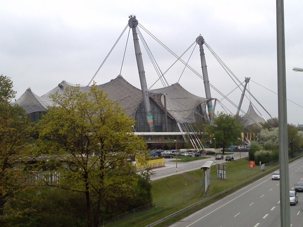 O Mundo e o Museu da BMW CAM00989_zpsc98340db