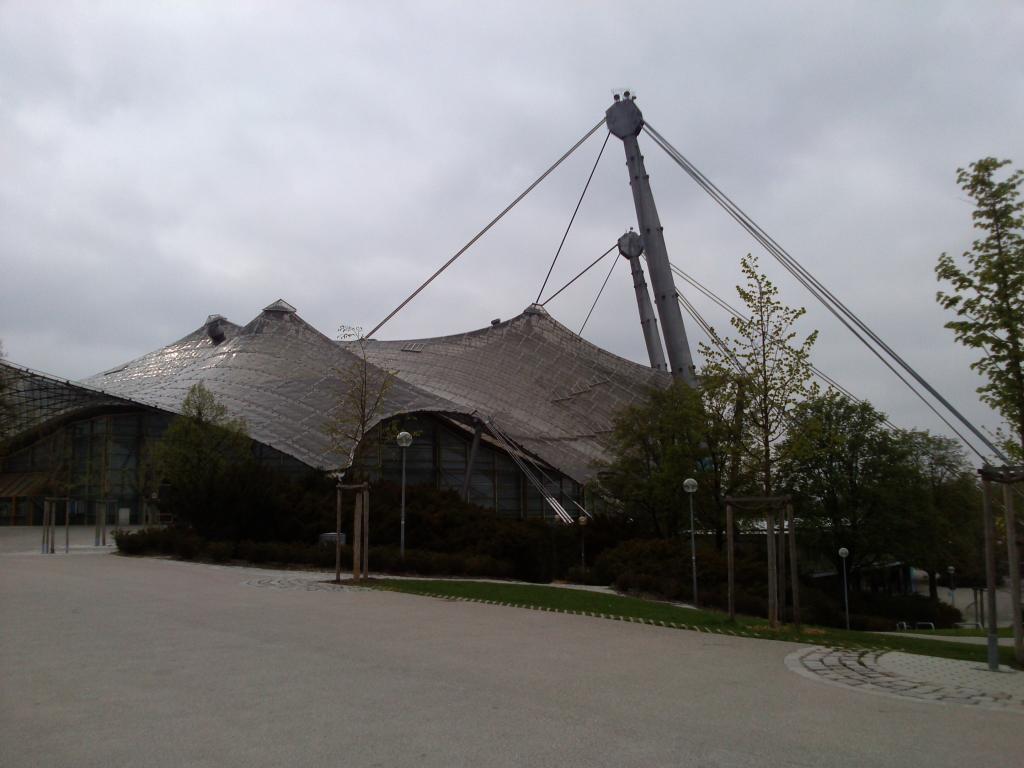 O Mundo e o Museu da BMW CAM00992_zps5a132d6c