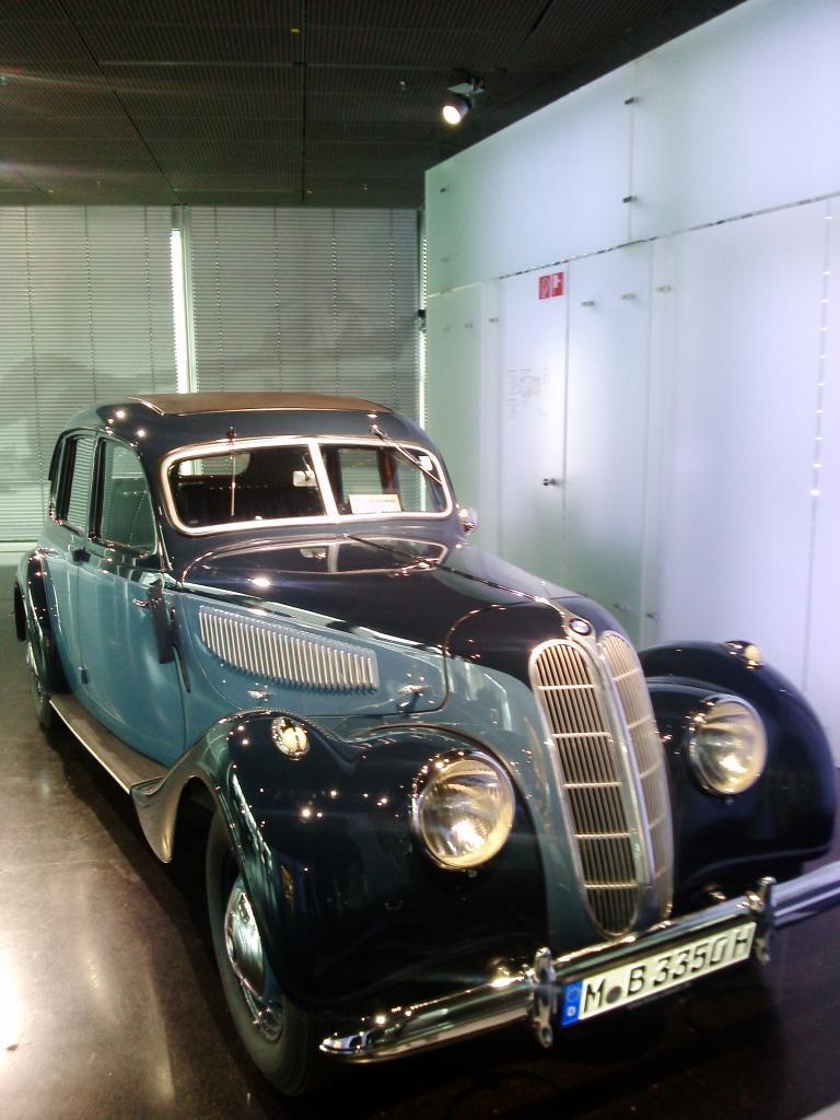 O Mundo e o Museu da BMW CAM01037_zps443d9c83