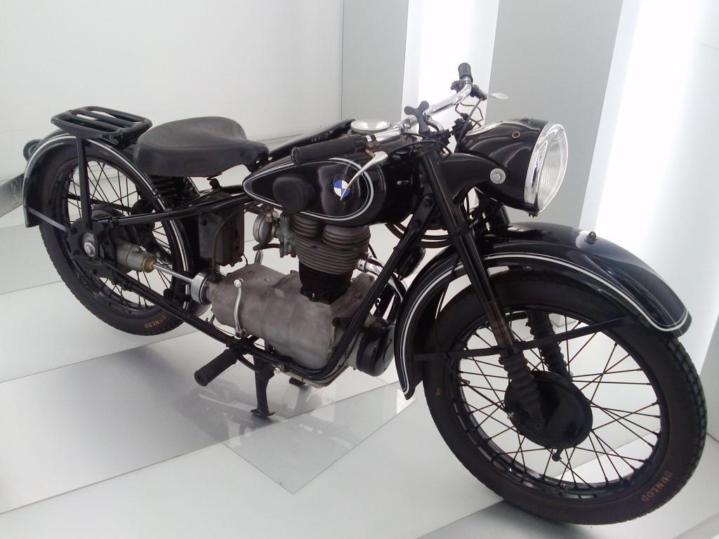 O Mundo e o Museu da BMW CAM01046_zps18c0ceeb