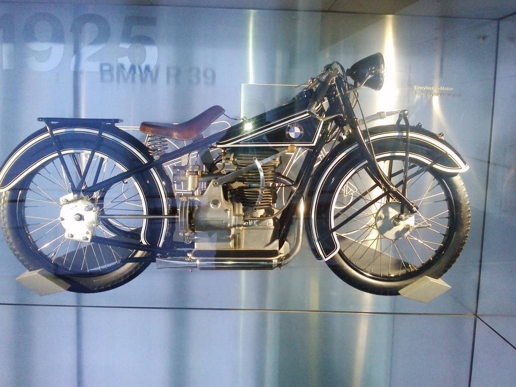 O Mundo e o Museu da BMW CAM01047_zps8bdccafc