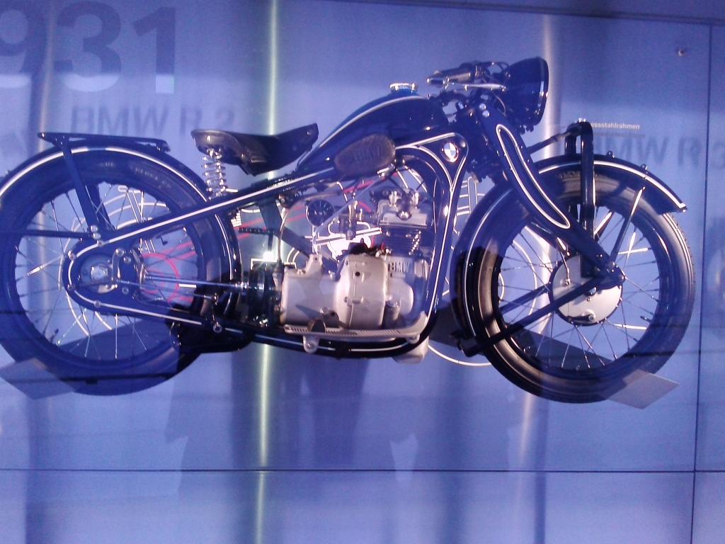 O Mundo e o Museu da BMW CAM01049_zpsbede7f0b