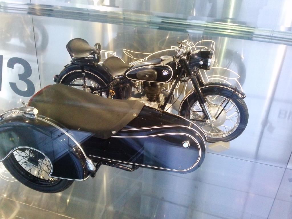 O Mundo e o Museu da BMW CAM01052_zps8b98b60d