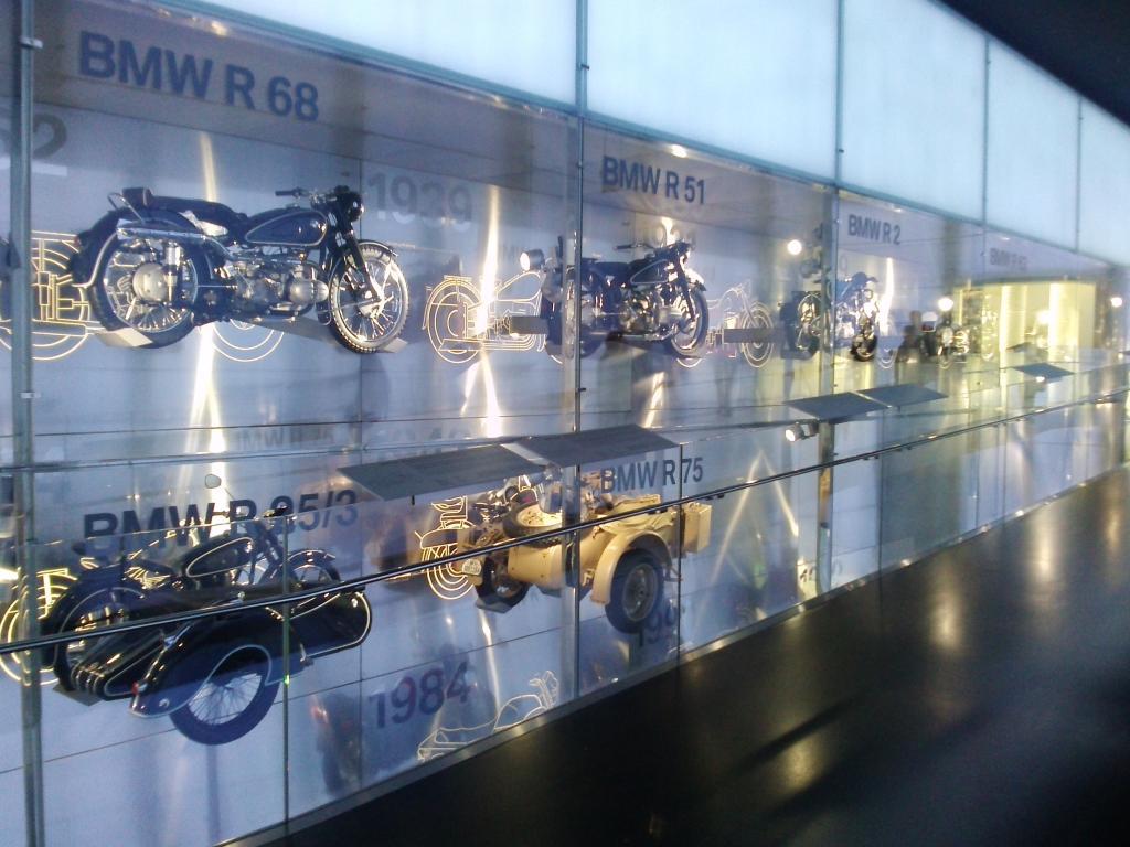 O Mundo e o Museu da BMW CAM01054_zpsd763a62e