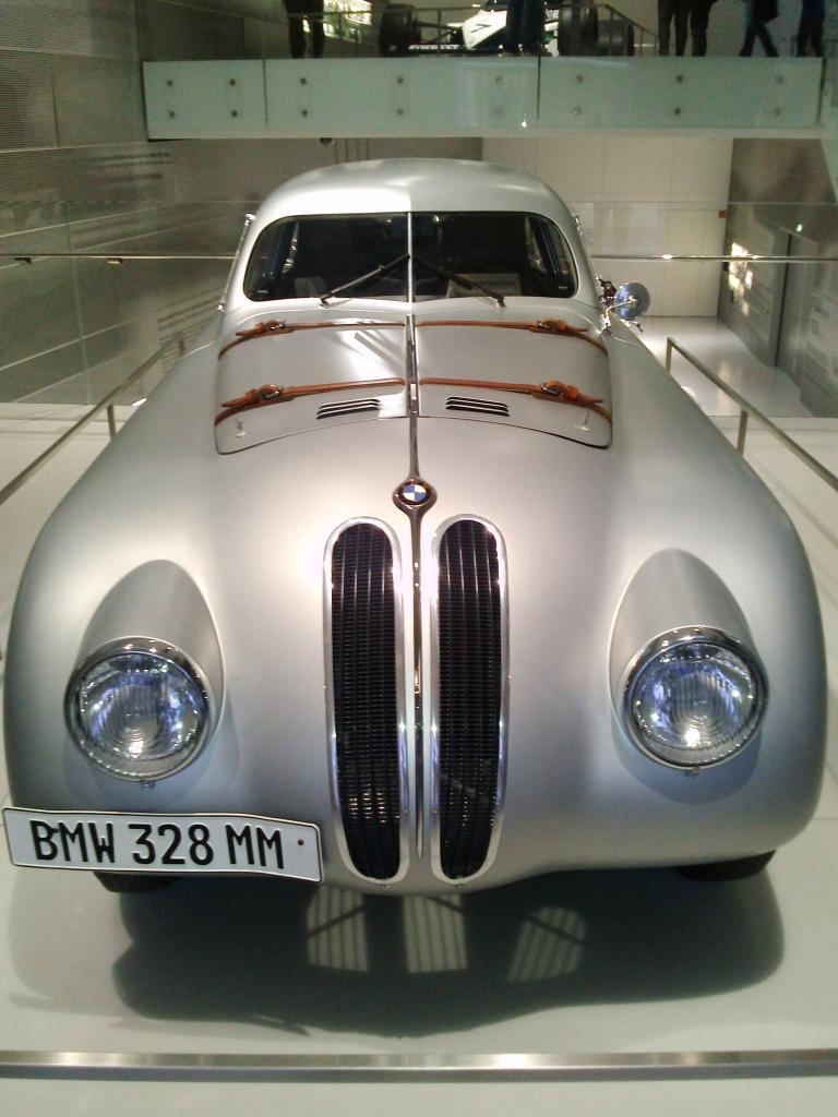 O Mundo e o Museu da BMW CAM01056_zps9ef03468