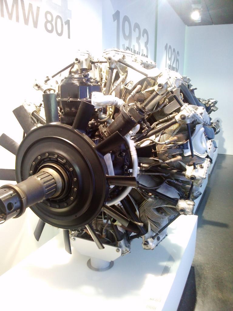 O Mundo e o Museu da BMW CAM01092_zpsc82a76ec