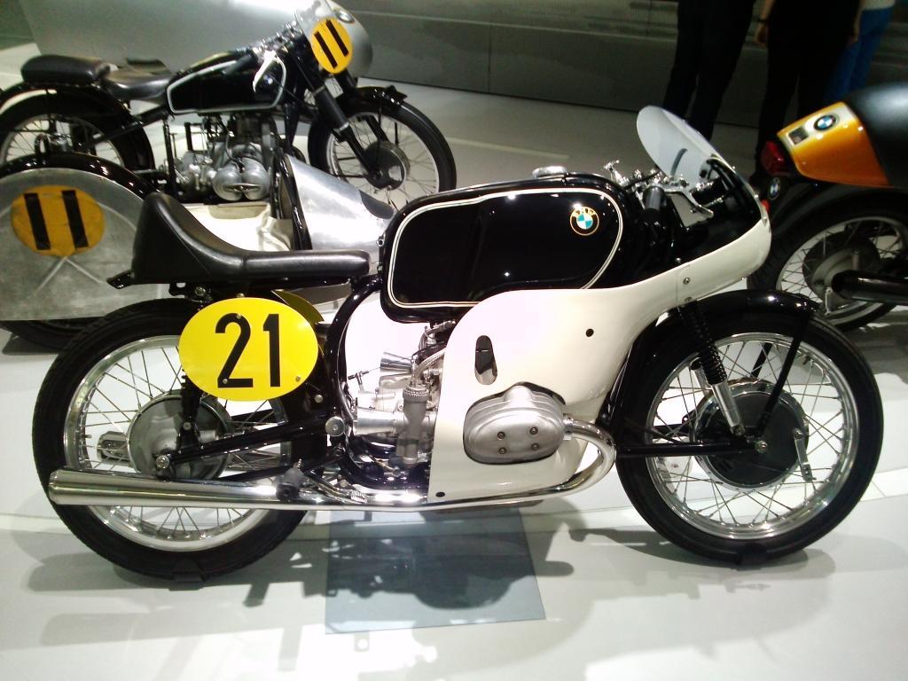 O Mundo e o Museu da BMW CAM01119_zpsc1b1122e