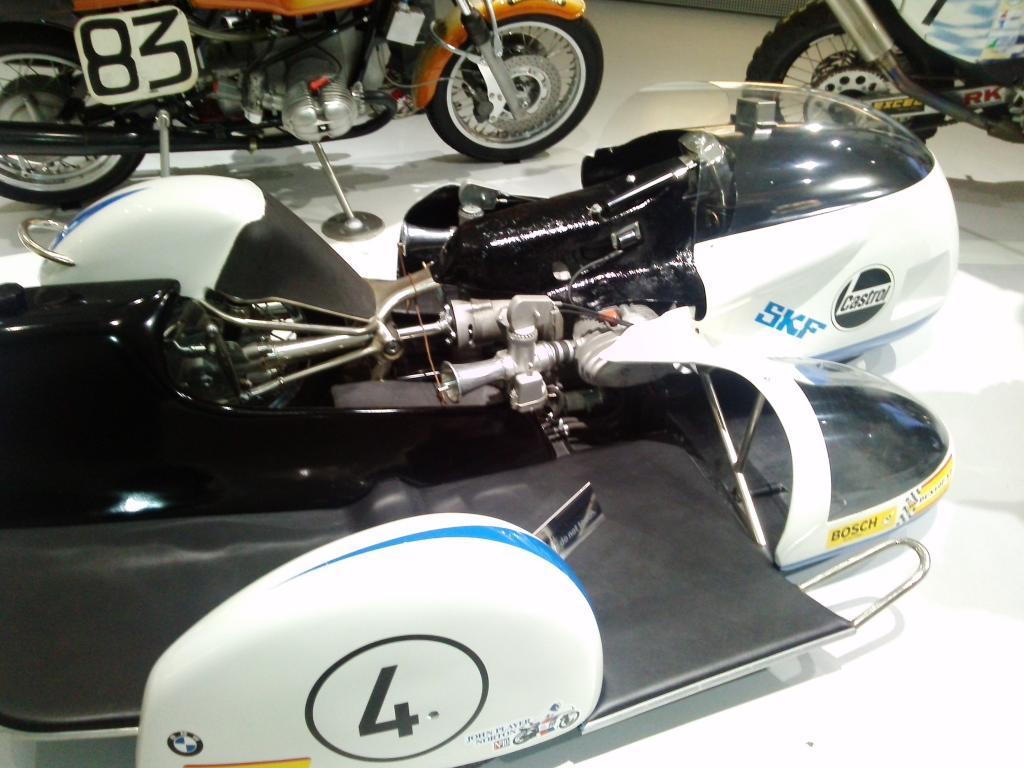 O Mundo e o Museu da BMW CAM01120_zpsde375b3c