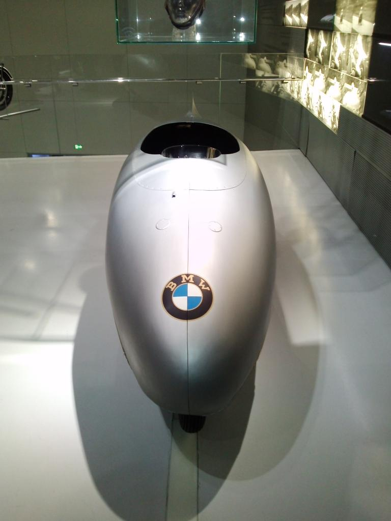O Mundo e o Museu da BMW CAM01121_zps58792d5d
