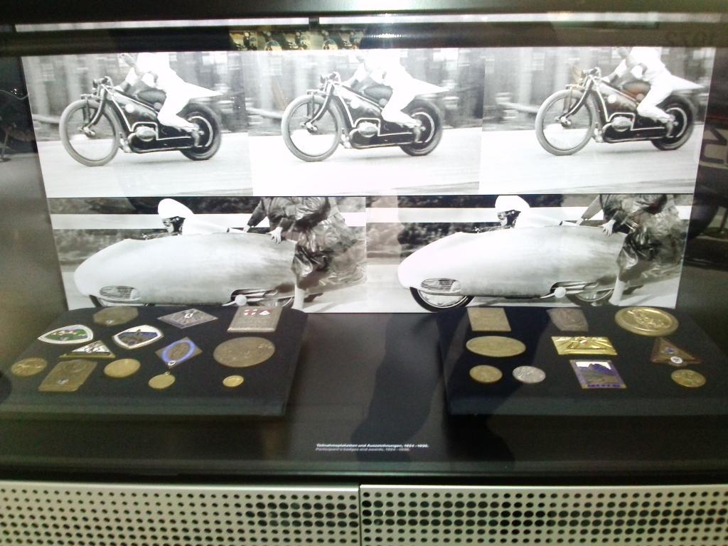 O Mundo e o Museu da BMW CAM01122_zps9414bc3b