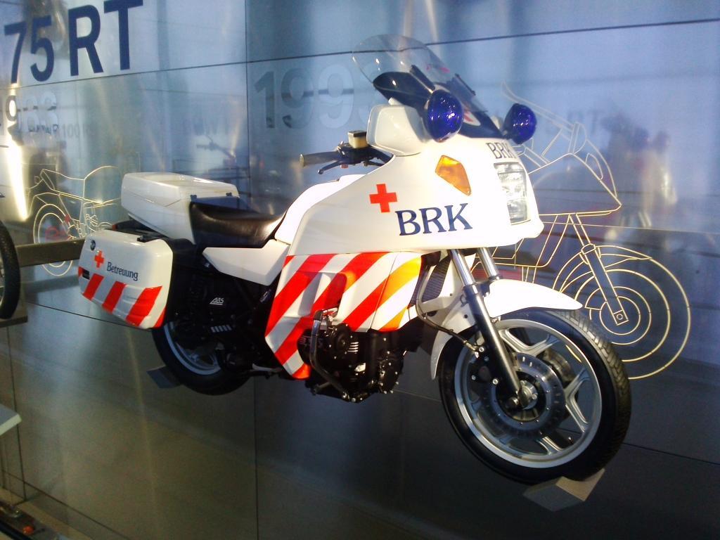 O Mundo e o Museu da BMW CAM01135_zpsbc3b1133