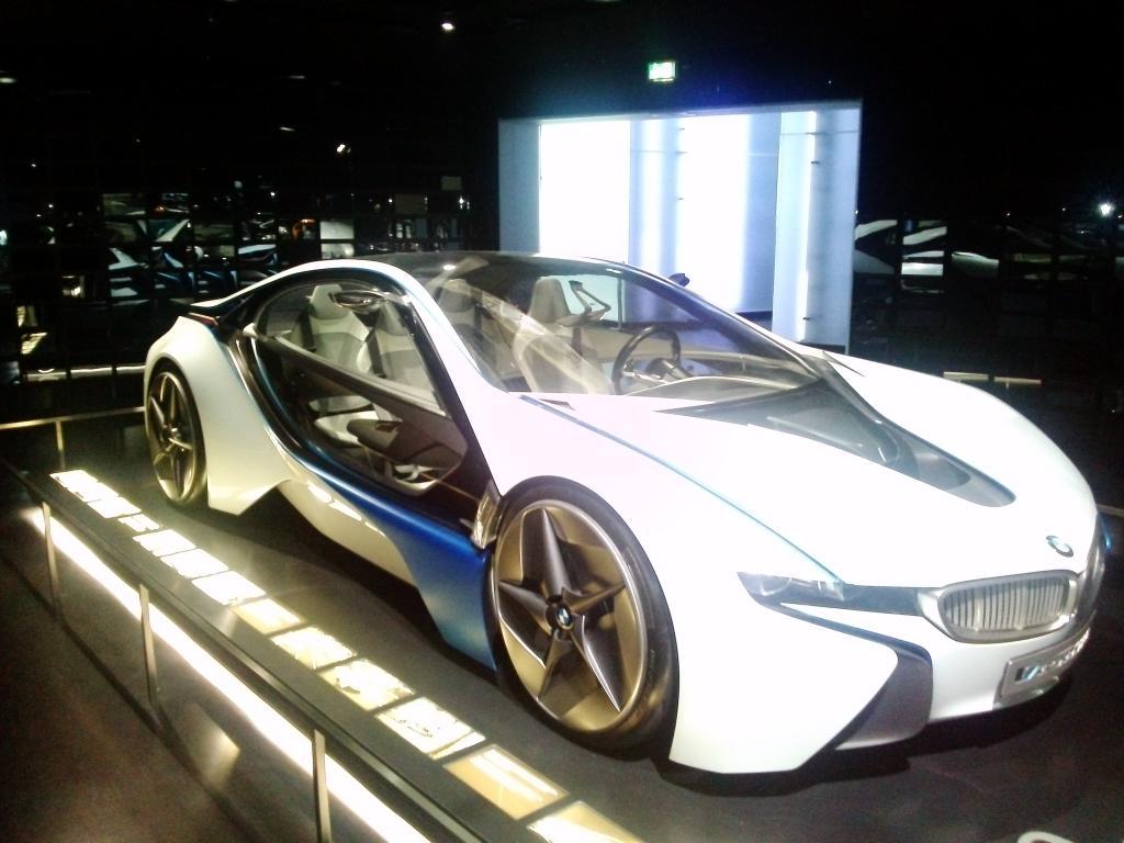 O Mundo e o Museu da BMW CAM01166_zps99b45f97