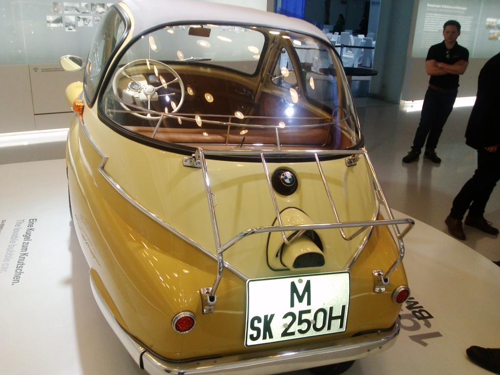 O Mundo e o Museu da BMW CAM01183_zps6c2595ce