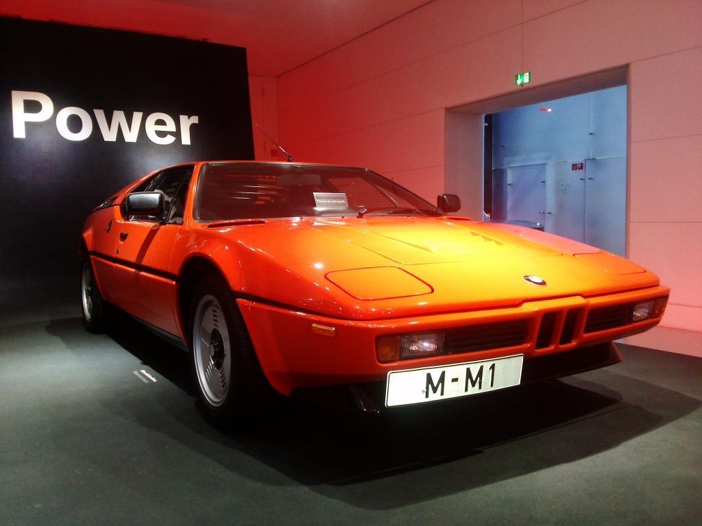 O Mundo e o Museu da BMW CAM01188_zps0a509255