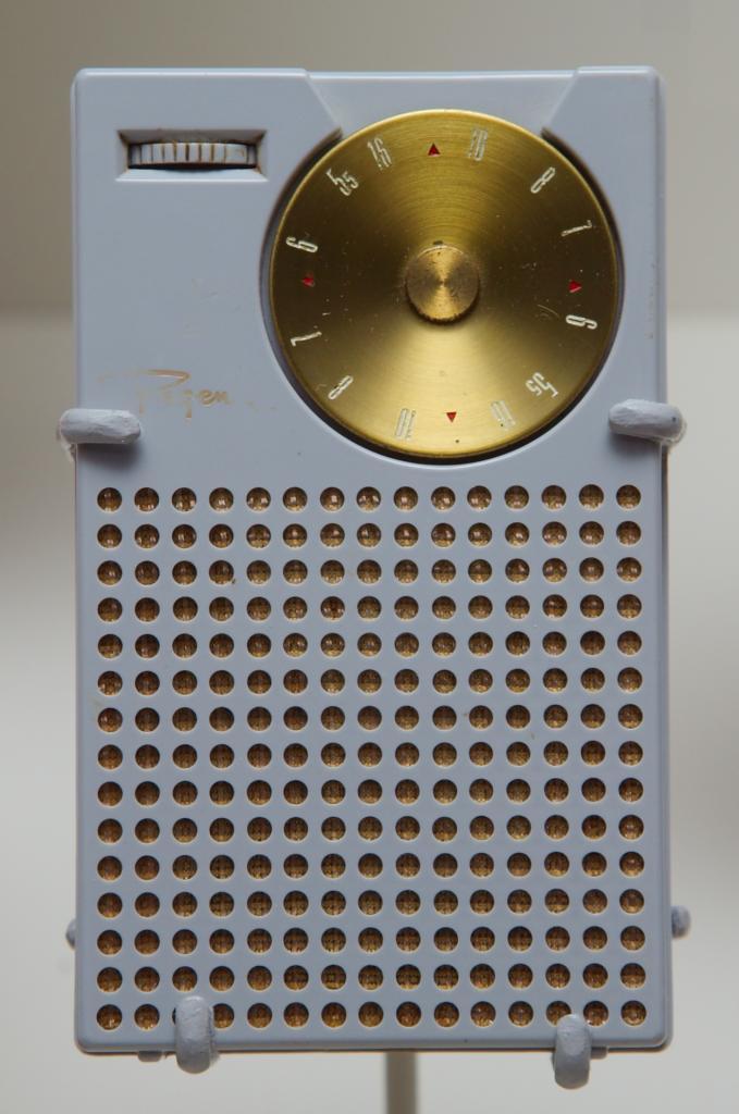 """Ratoeiras do """"digital"""" - Página 2 Regency_transistor_radio_zps1cc50053"""