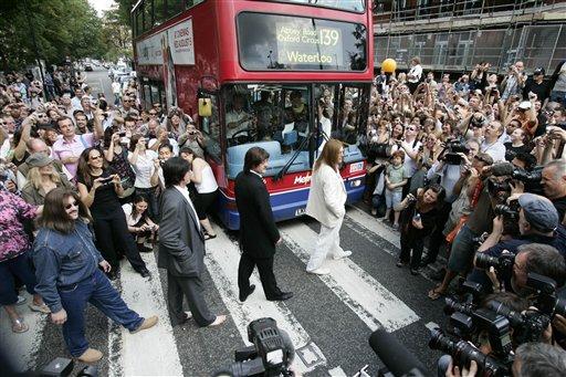 A mais famosa passadeira fez 45 anos Abbey-road_zpsd8887cfa