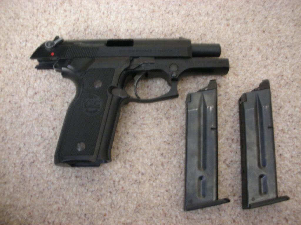 Pistols/Side Arms DSCN0801