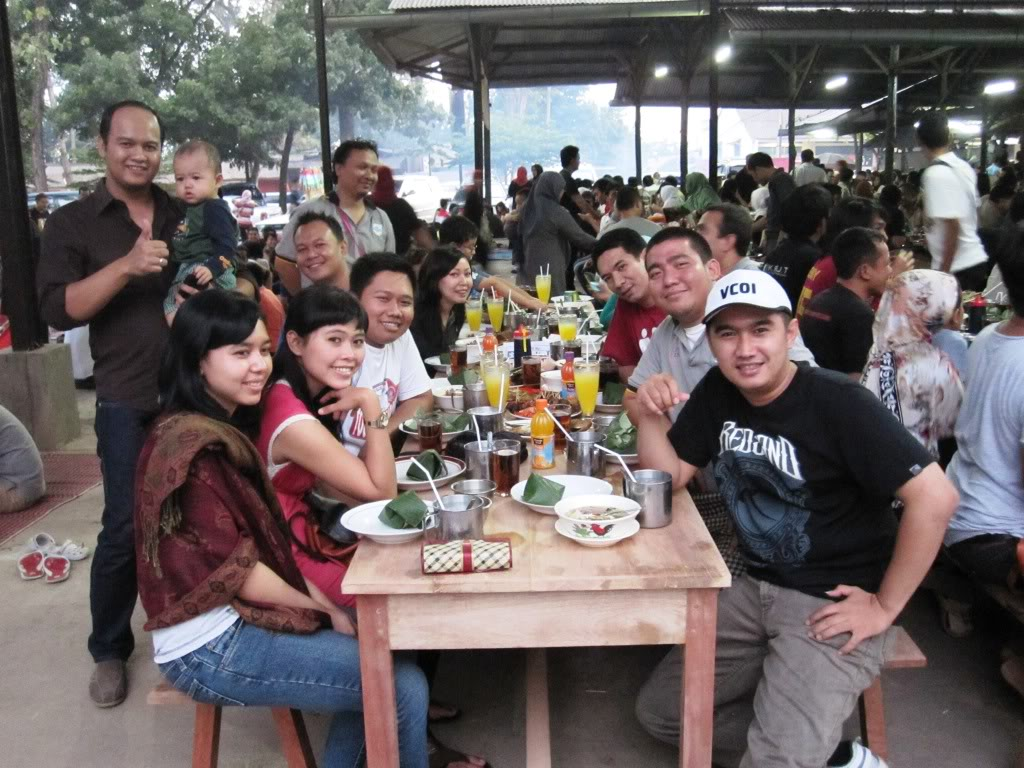 Bukber VOKUS & KPUT 2011 IMG_1300