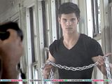 Taylor Lautner Th_normal_943