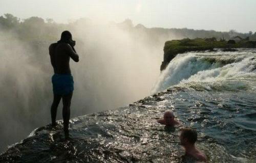 kolam renang setan di zimbabwe 1
