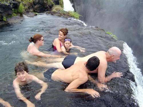 kolam renang setan di zimbabwe 2