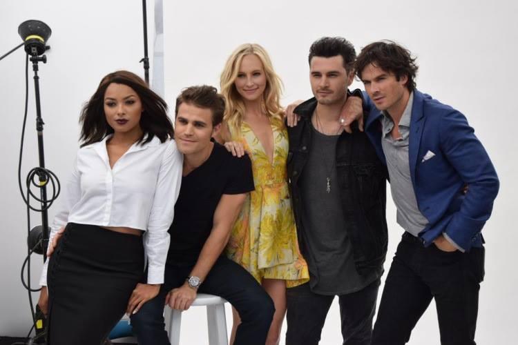 The Vampire Diaries /ვამპირის დღიურები #3 - Page 3 D1183f0a6bbd96441ada24be2d6bdecb