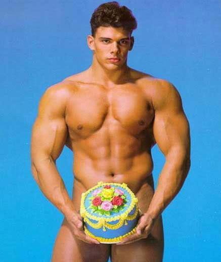 Bon anniversaire le BELGE Sexy-birthday-pic
