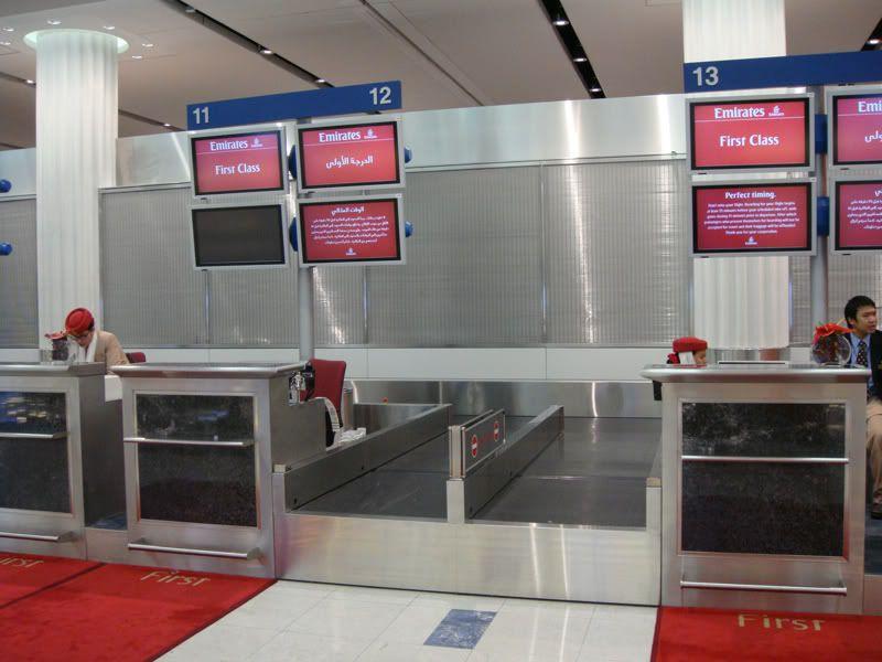 Emirates (EK / UAE) - Pagina 3 DSC00067