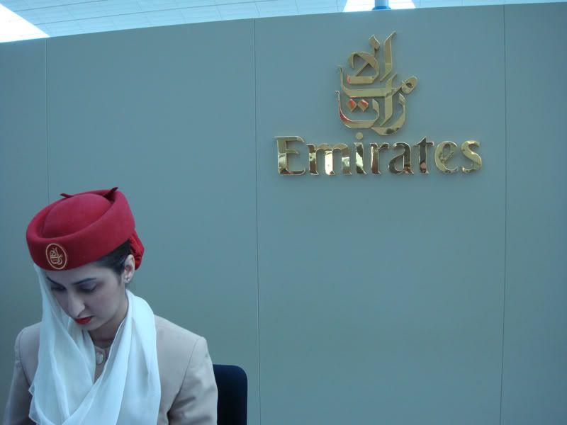 Emirates (EK / UAE) - Pagina 3 DSC00081