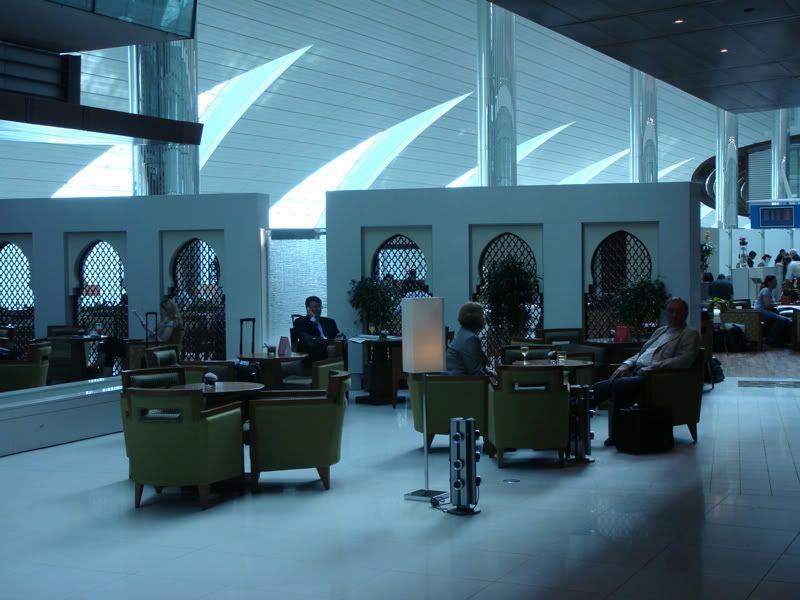 Emirates (EK / UAE) - Pagina 3 DSC00114