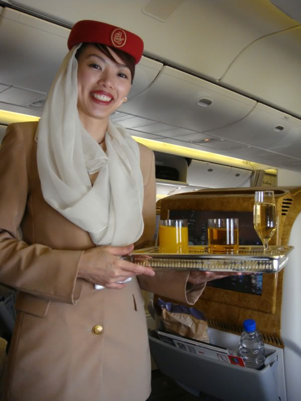 Emirates (EK / UAE) - Pagina 3 DSC00153